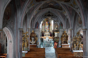 View down from the organ pulpit onto the altar in the parish church to St. Martin in Oberwoelz