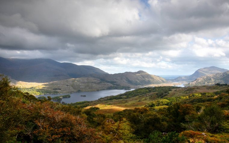 Blick vom Ladys View auf den Upper Lake, Killarney Nationalpark