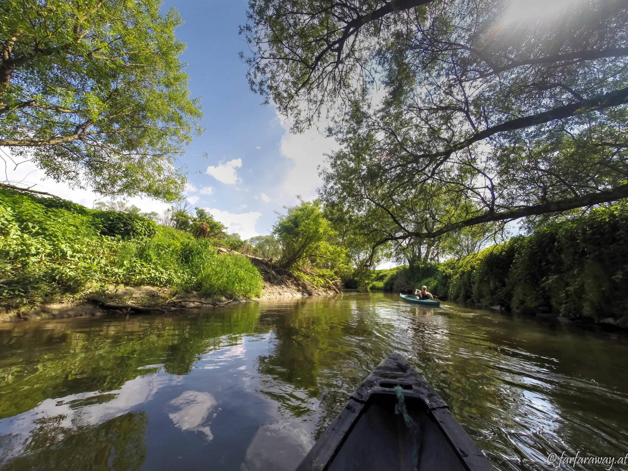 Immer hinter dem Kanu-Guide her