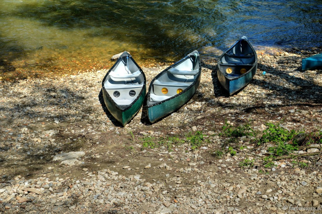 Kanus an der Ablegestelle
