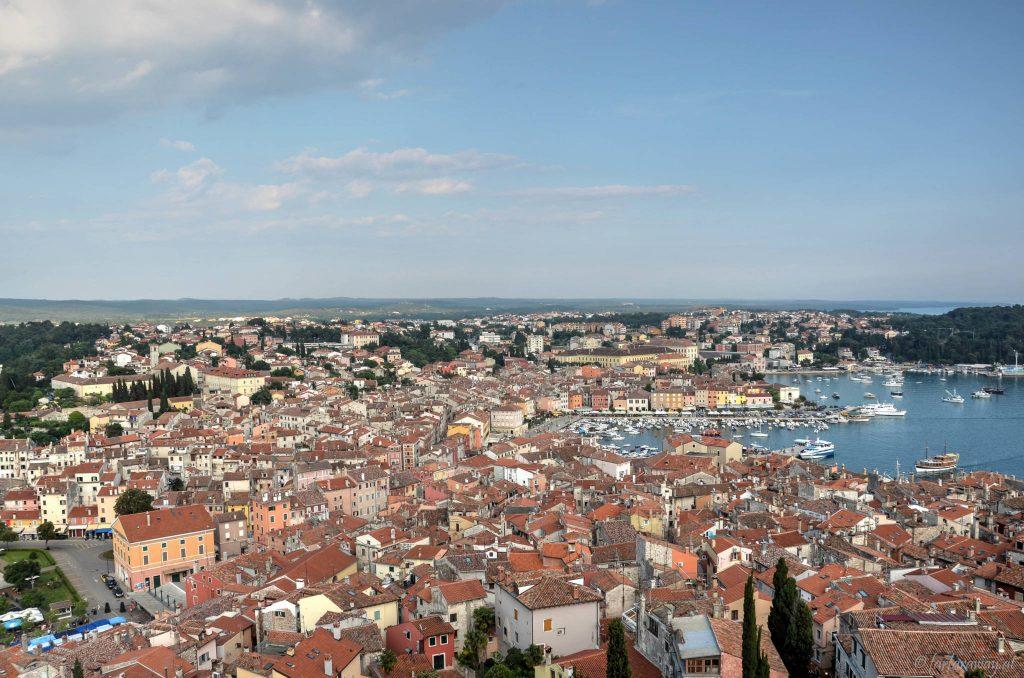 Blick vom Kirchturm auf die Stadt